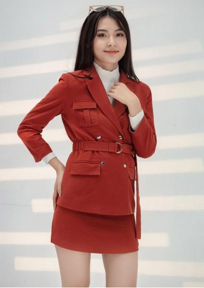 Vest dài đai eo B612